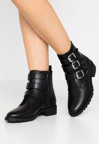 Anna Field - Cowboy/biker ankle boot - black - 0