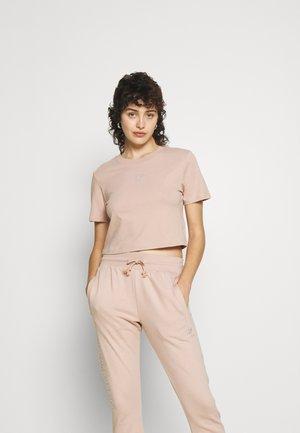 CROPPED TEE - Basic T-shirt - ash pearl