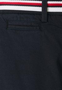Tommy Hilfiger - SLIM - Shorts - desert sky - 2