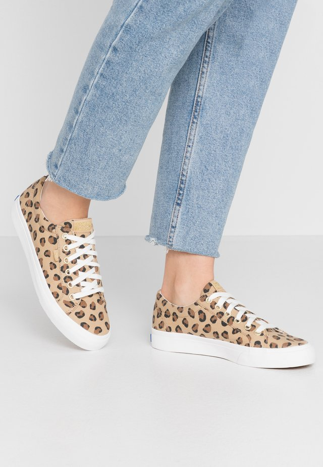 JUMP KICK LEOPARD - Sneaker low - tan/black