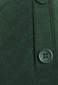 Esprit - ECOVERO - Jumper - dark green - 3