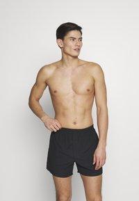 Pier One - VALENTINES 2 PACK - Boxer shorts - black/dark red - 1