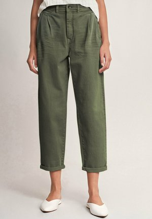 MARGARET SLOUCHY  - Relaxed fit jeans - grün