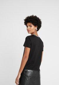 MICHAEL Michael Kors - LOGO NECKLINE BABY - Print T-shirt - black - 2