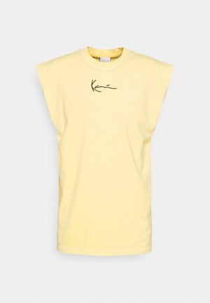 SMALL SIGNATURE WASHED SLEEVELESS TEE - Print T-shirt - light yellow