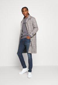 Diesel - D-LUSTER - Slim fit jeans - 009el 01 - 1
