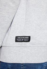 TOM TAILOR DENIM - Hoodie - light stone grey - 6