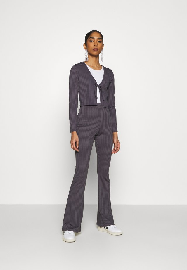 FLARE AND TIE FRONT SET - Pantalon classique - antracite grey