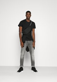 Burton Menswear London - SHORT SLEEVE CREW 10 PACK - T-shirt basic - black/white/indigo - 1