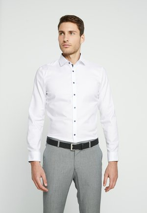 SUPER SLIM FIT - Formal shirt - white