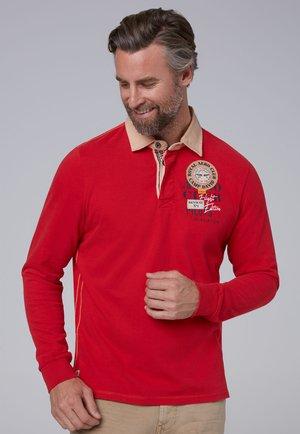 MIT TWILL-KRAGEN UND BACK ARTWORK - Polo shirt - red sun