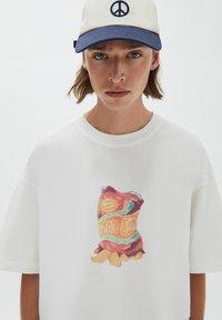 PULL&BEAR - Print T-shirt - off white - 3