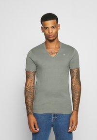 G-Star - BASE V-NECK T S/S 2-PACK - T-shirt basic - light building - 1