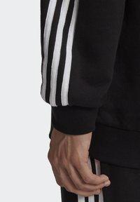 adidas Originals - BIG TREFOIL ABSTRACT HOODIE - Hoodie - black - 6