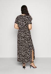 Dorothy Perkins Curve - WRAP SPOT  - Vestido largo - mottled black - 2