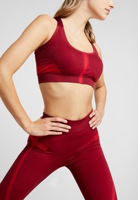South Beach - COLOURBLOCK SEAMLESS LEGGING - Tights - red - 3