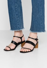 Topshop Wide Fit - WIDE FIT DITA STRAP - Sandals - black - 0