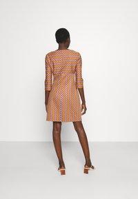 M Missoni - Shift dress - pumpkin/giallo/blood/candy - 2