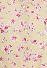 Pieces Petite - PCMILLER DRESS - Shirt dress - hemp - 2