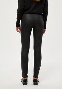 PEPPERCORN - LINETTE  - Leggings - Trousers - black pr - 2