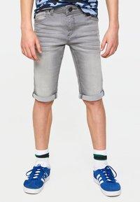 WE Fashion - WE FASHION JONGENS SLIM FIT DENIMSHORT - Jeansshort - light grey - 1