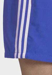 adidas Originals - 3-STRIPES SWIM SHORTS - Szorty kąpielowe - blue - 5