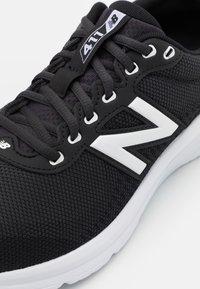 New Balance - Laufschuh Neutral - black - 5