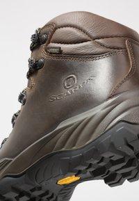 Scarpa - TERRA GTX - Outdoorschoenen - brown - 5