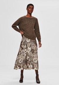 Selected Femme - A-line skirt - sandshell - 1