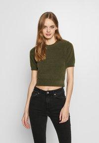 Glamorous - T-shirt print - khaki - 0