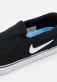 Nike SB - CHRON 2 UNISEX - Sneakers laag - black/white - 5