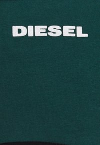 Diesel - UFTEE-CHEERLY T-SHIRT - Nightie - black/green - 6