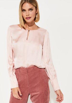 MIT RAFFINIERTEN  - Blouse - light pink