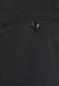 Selected Homme - SLHSLIMTAPERED JIM FLEX ANKLE - Trousers - black - 2