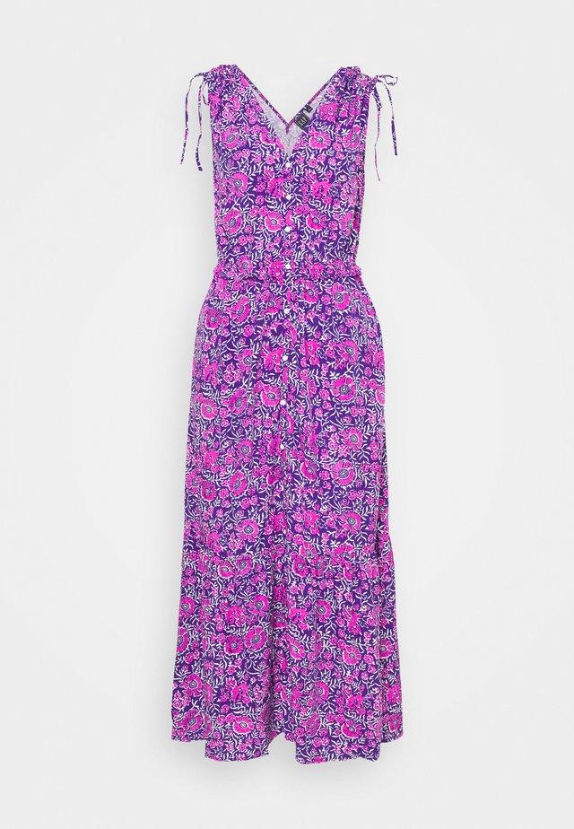 RUCHED - Długa sukienka - purple