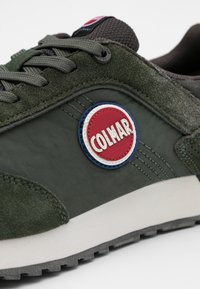 Colmar Originals - TRAVIS - Trainers - military green/dark grey - 3