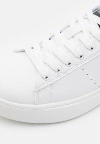 Trussardi - Sneakers basse - white - 5