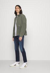 Calvin Klein Jeans - SLIM - Slim fit jeans - denim dark - 3