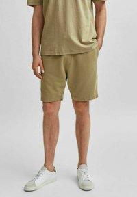 Selected Homme - Shorts - aloe - 0