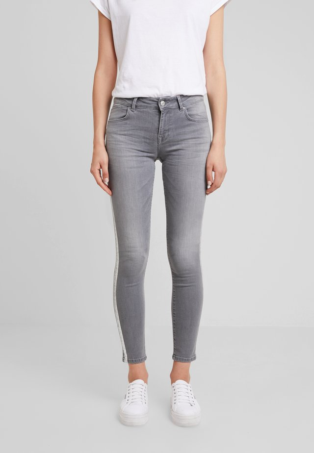 LEA  - Jeansy Skinny Fit - lightbell wash