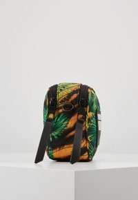 Versace Jeans Couture - JUNGLE PRINT CAMERA - Borsa a tracolla - multicoloured - 3