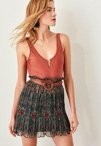 Trendyol - Pleated skirt - green - 2