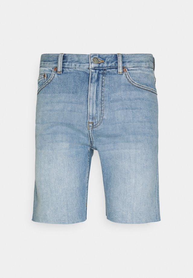 CLARK - Shorts vaqueros - creek light blue