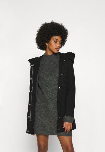 VMDAFNEDORA - Klassisk kåpe / frakk - black