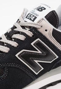 New Balance - 574 - Trainers - black - 5