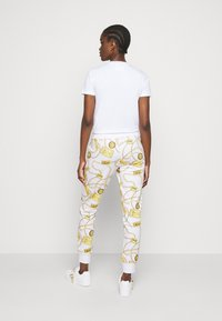 Versace Jeans Couture - Spodnie treningowe - white - 3