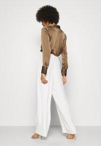 IVY & OAK BRIDAL - Spodnie materiałowe - snow white - 2