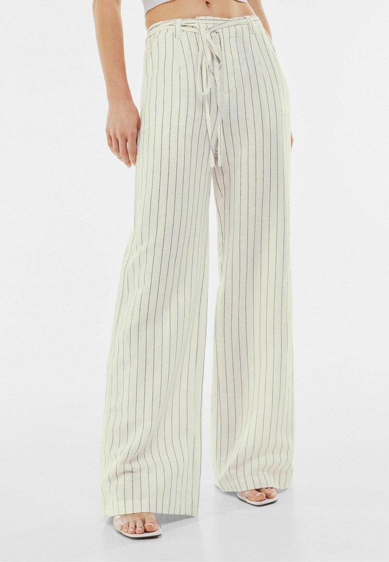 Bershka - Trousers - off-white