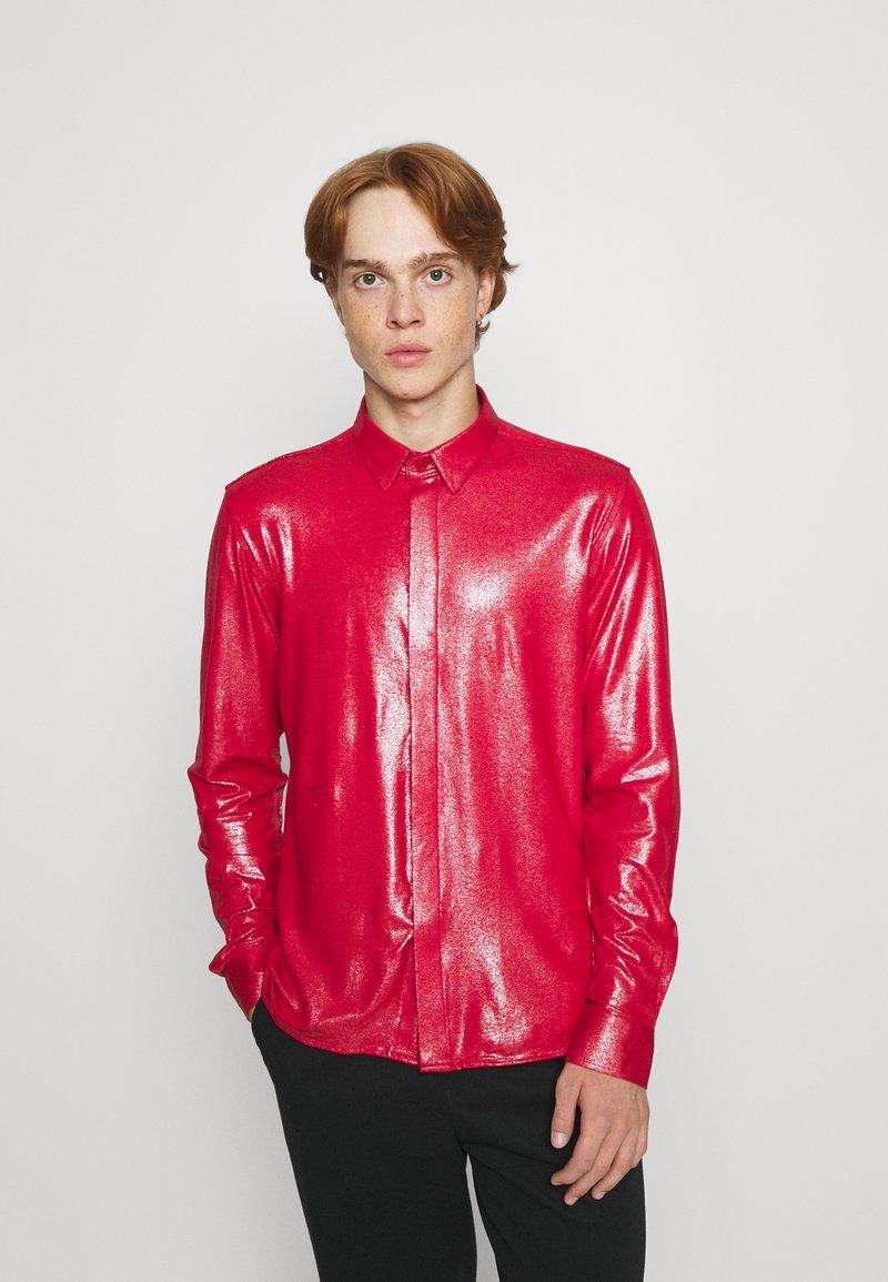 Twisted Tailor - SLEDGE  - Košile - red