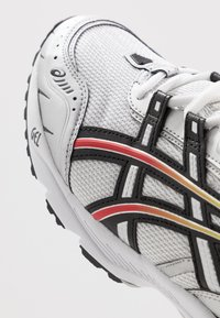 ASICS SportStyle - GEL-1090 - Zapatillas - white/black - 8